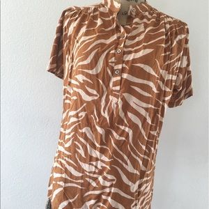 Maeve/ Anthropologie gold animal print Henley top
